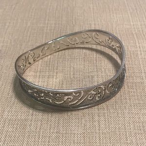 Silpada Wavy Filigree Bangle